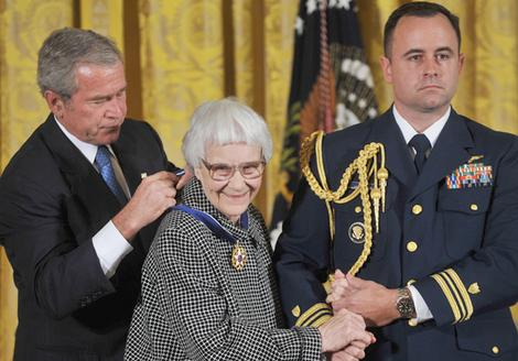 HARPER LEE Recieves Medal of Freedom